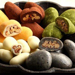 サロンドロワイヤルのバレンタインおすすめのチョコレートはピーカンナッツチョコレート、5種の詰め合わせ【プチギフト ピーカン5種セット】が人気です