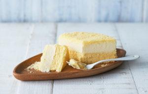 ルタオLeTAOの人気チーズケーキ、【ドゥーブルフロマージュ】をカットした画像
