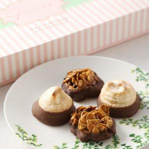 「アマレッティ」はイタリアの伝統菓子を、ドイツ風にアレンジしたグマイナーのスペシャリテ。