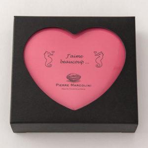 ホワイトデーのお返しにピエールマルコリーニの高級チョコレートは人気、パッケージの缶も可愛い