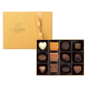 ゴディバのチョコレート「ゴールドコレクション」はなめらかな口どけ、上質な香りのチョコレートをゴールドのパッケージに詰め合わせた贅沢なチョコレートの詰め合わせです。