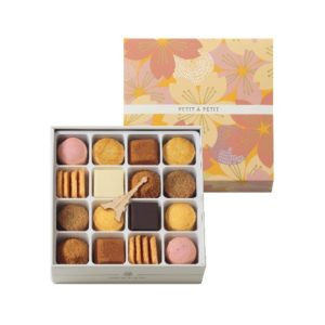 アンリシャルパンティエのクッキーの詰め合わせ「プティタプティ」の桜がモチーフの春限定パッケージです。
