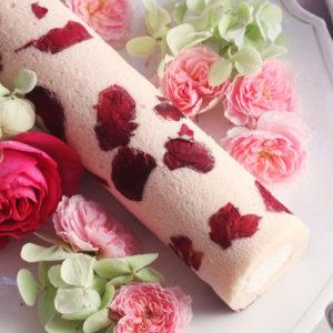日比谷花壇の「さ姫」を使ったらバラの香りのロールケーキ