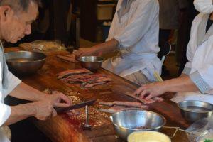 美味しいうなぎ料理を作るには良質なうなぎの他に、うなぎ職人の荒土な技術が不可欠です。