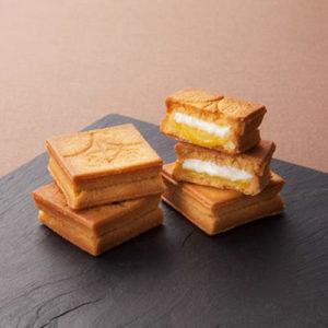 プレスバターサンドはサクサクのクッキーに質の良いバターをサンドしたクッキーです。