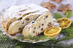クリスマスが来るまでの4週間、ドイツやアルザス地方、オランダなどでは毎日少しずつシュトーレンをスライスして食べクリスマスを待つ習慣があります。