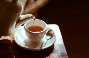 ハトムギ茶はポットで蒸らして飲むのも手軽でおすすめです